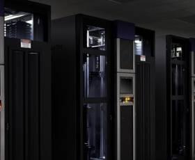 فن آوری اطلاعات و مرکز داده